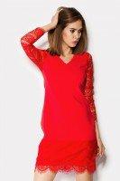 Изящное платье красного цвета